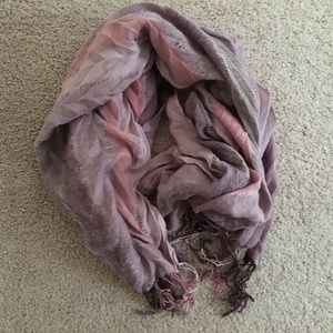 FOREVER 21 Tori-Colored Scarf